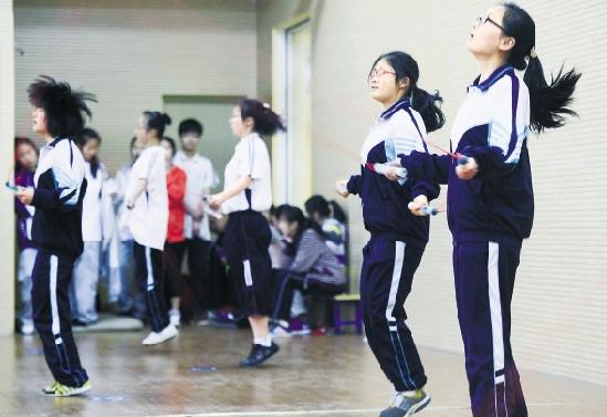 杭州2018体育中考大规模展开 裁判教你怎样拿满分
